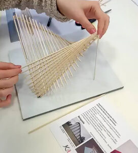 Paraboloides Flächenmodell in Arbeit